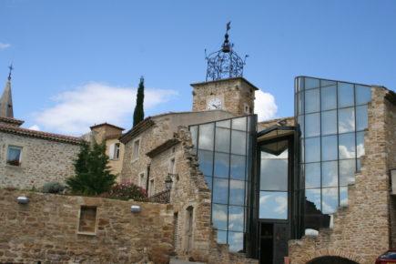 Grillon - Le Vialle et la maison Milon