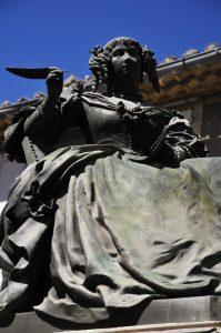 marquise de Sévigné statue