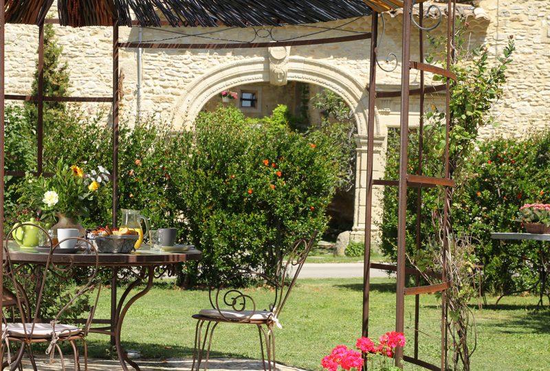Pause estivale : détente et farniente à Montbrison-sur-Lez - 0