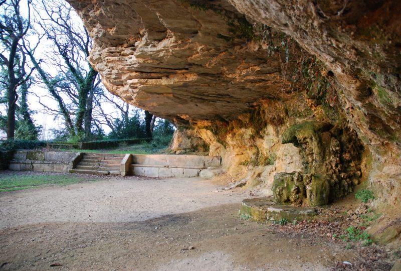 Grotte de Rochecourbière à Grignan - 1