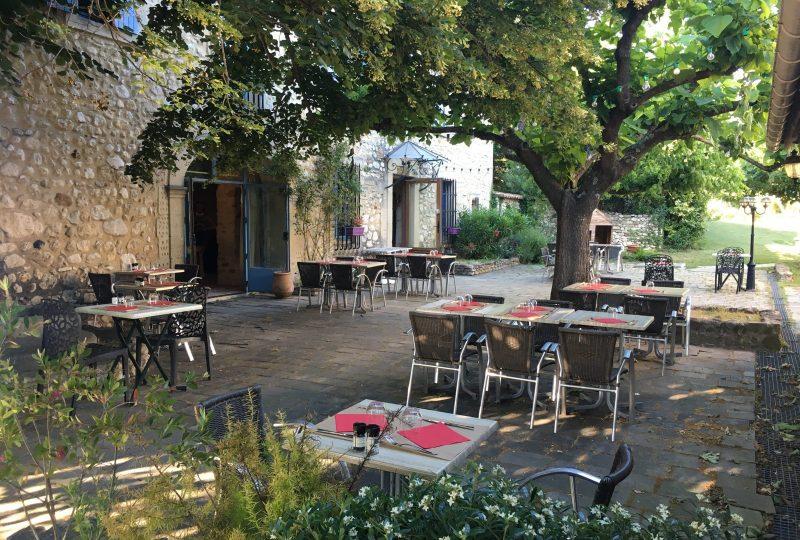 Hôtel Logis le Mas de Lily Rose à Valaurie - 4